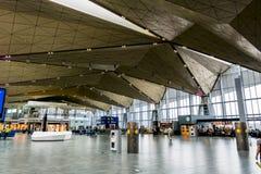 L'espace intérieur du terminal international de l'unité centrale d'aéroport Photo libre de droits