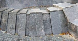 L'espace intérieur sec de la fontaine déconnectée de ville images libres de droits