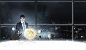 L'espace l'explorant d'homme image stock