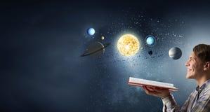 L'espace l'explorant de type image libre de droits