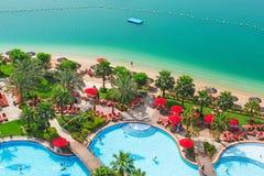 L'espace piscine de la station de vacances de palais de Khalidiya en Abu Dhabi, EAU Images libres de droits