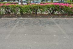 L'espace vide dans le parking au parc public Image stock