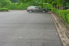 L'espace vide dans le parking au parc public Images libres de droits