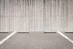 L'espace vide dans un parking de voiture Image stock