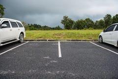 L'espace vide pour des voitures, stationnement extérieur de voiture Photographie stock libre de droits