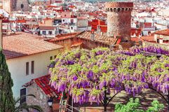 l'espagne Paysage de la ville pittoresque de Tossa de Mar, sur Photos libres de droits