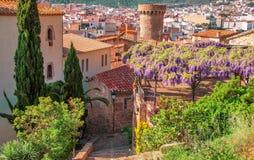 l'espagne Paysage de la ville pittoresque de Tossa de Mar, sur Photos stock