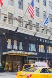 L'esterno del grande magazzino del ` s di Bloomingdale in Manhattan, sopra immagini stock libere da diritti