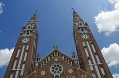 L'esterno della chiesa votiva in Seghedino, Ungheria fotografie stock