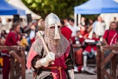 L'ESTONIE, TALLINN - 4 JUIN 2016 : Tournoi de combat de vieille de Tallinn épée historique internationale de tasse photo stock