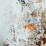 L'estratto ha corroso la pittura artistica arrugginita della sbucciatura della parete della carta da parati di lerciume del ferro fotografia stock