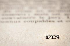 L'estremità? scritta su una vecchia macchina da scrivere e su un vecchio documento fotografie stock