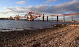 L'estuaire d'en avant jettent un pont sur Photo stock