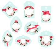L'etichetta fiorita del regalo modella l'etichetta dei bagagli isolata clipart di vettore con l'etichetta decorativa delle rose illustrazione vettoriale