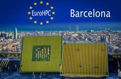 L'EuroHPC initative avec une vue panoramique de Barcelone et de processeurs d'ordinateur sur le premier plan Photographie stock libre de droits