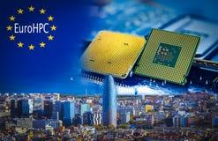 L'EuroHPC initative avec une vue panoramique de Barcelone et de processeurs d'ordinateur sur le premier plan Photos libres de droits