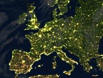 L'Europe la nuit sur terre de planète Image libre de droits