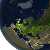 L'Europe la nuit sur terre de planète Photographie stock libre de droits