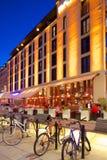 L'Europe, Scandinavie, Suède, Gothenburg, restaurant sur Vallgatan au crépuscule Photo stock