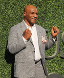 L'ex campione Mike Tyson di pugilato assiste alla cerimonia di apertura 2016 di US Open a USTA Billie Jean King National Tennis C Fotografie Stock Libere da Diritti