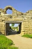 L'excavation historique de sites de voyage de la Crimée Khersones mure la voûte du musée sous le ciel ouvert au printemps Images stock