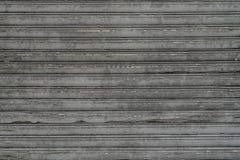 L'excellente antiquité a survécu à la jalousie en bois avec le temps parfait Image libre de droits
