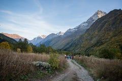L'excursion dans la vallée d'Alibek photos stock