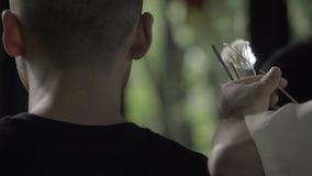 L'expert nettoie a équipe des oreilles à Chengdu banque de vidéos