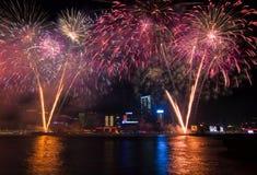 L'exposition chinoise de feux d'artifice de nouvelle année photo stock