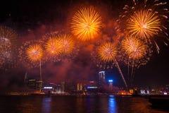 L'exposition chinoise de feux d'artifice de nouvelle année images libres de droits