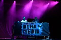 L'exposition du disc-jockey d'Ocho y Medio au festival de Dcode images stock