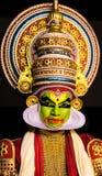 L'expression du visage des hommes classiques de danse de Kathakali Kerala images libres de droits