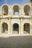 L'extérieur de l'arène d'Arles, des périodes romaines antiques, peut tenir 24.000 spectateurs, Arles, France Photographie stock