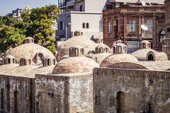 L'extérieur des bains publics à Tbilisi images libres de droits