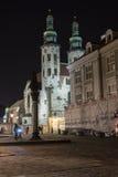 L'église de St Andrew sur la rue de Grodzka par nuit Images libres de droits