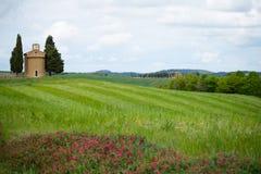 L'?glise de Vitaleta Paysage de Val d ?Orcia au printemps C?tes de la Toscane Val d ?Orcia, Sienne, Toscane, Italie - mai 2019 photographie stock