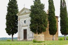 L'?glise de Vitaleta Paysage de Val d ?Orcia au printemps C?tes de la Toscane Val d ?Orcia, Sienne, Toscane, Italie - mai 2019 photo libre de droits