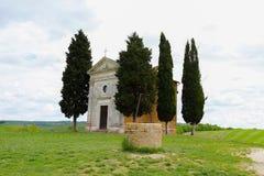 L'?glise de Vitaleta Paysage de Val d ?Orcia au printemps C?tes de la Toscane Val d ?Orcia, Sienne, Toscane, Italie - mai 2019 image libre de droits