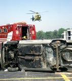 L'hélicoptère de Medivac arrive à un accident image stock
