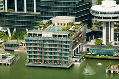 L'hôtel de baie de Fullerton est un bâtiment élégant sur Marina Bay photographie stock libre de droits