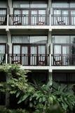 L'hôtel est au milieu de nature photographie stock