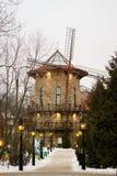 L'hôtel de maison de moulin le soir Photo libre de droits