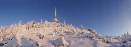 L'hôtel et l'émetteur ont plaisanté dans l'horaire d'hiver Photographie stock