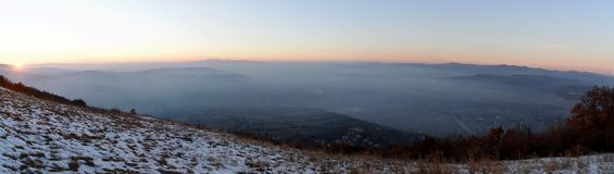 L'heure d'or des collines complètent photos stock