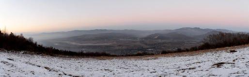 L'heure d'or des collines complètent photo stock