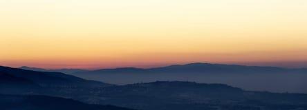 L'heure d'or des collines complètent photo libre de droits