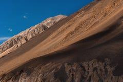 L'Himalaya delle montagne Ladakh, il Jammu e Kashmir, India Fotografia Stock Libera da Diritti