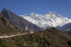 L'Himalaya, Nepal bello tempo soleggiato e viste spettacolari sull'Everest, il più alta montagna nel mondo Fotografia Stock Libera da Diritti