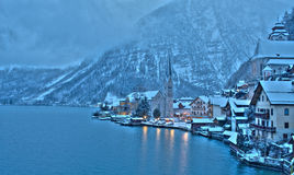L'hiver dans Hallstatt, la perle de l'Autriche Photos libres de droits