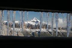 L'hiver dans les montagnes Photo stock